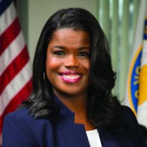 This is Kimberly Foxx's official state photograph.